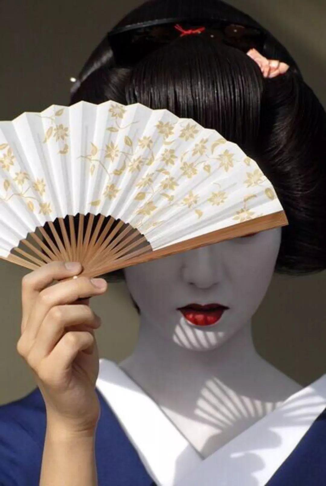日本艺伎美丽背后的真相,只有她们自己知道…