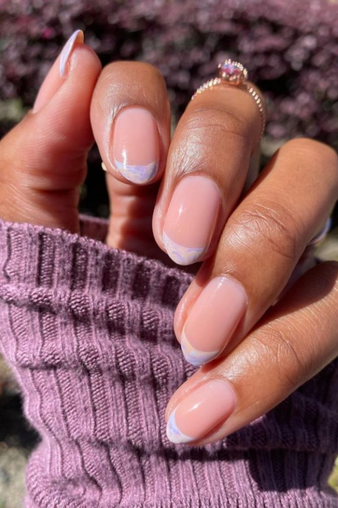 Awesome pastel nails with short almond-shaped nails to spice up your look!