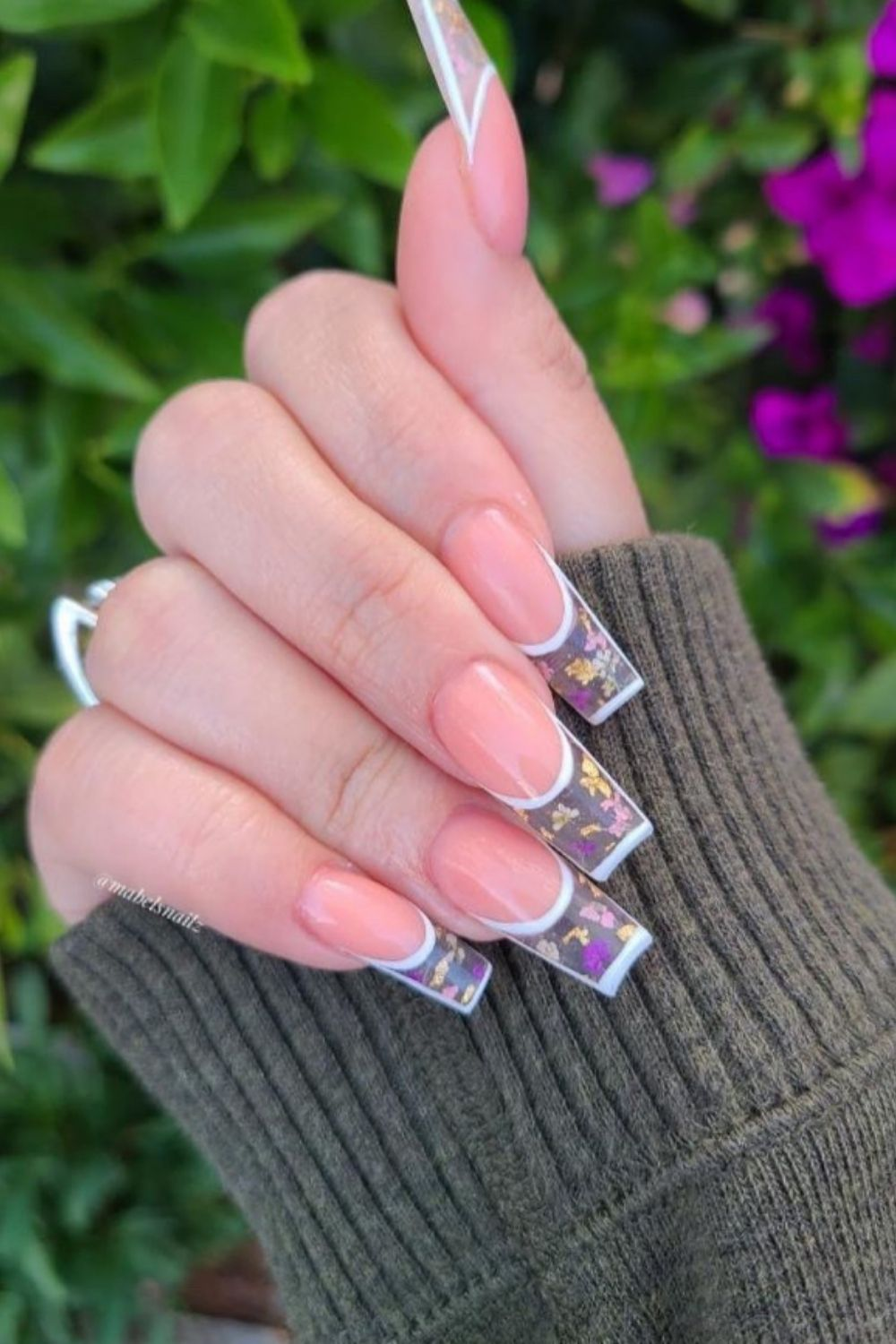 Birthday nails can make you like a queen at your birthday party