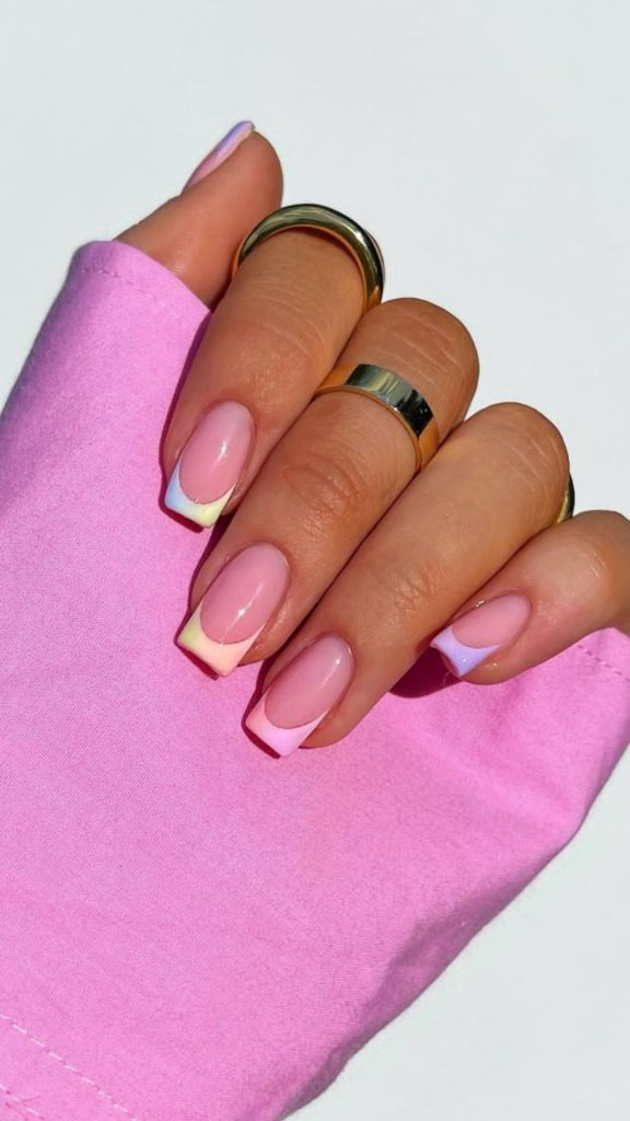 Colored acrylic coffin nails for Summer and Fall 2021! #coffinnails #acrylicnails #fallcoffinnails #summercoffinnail #acryliccoffinnails