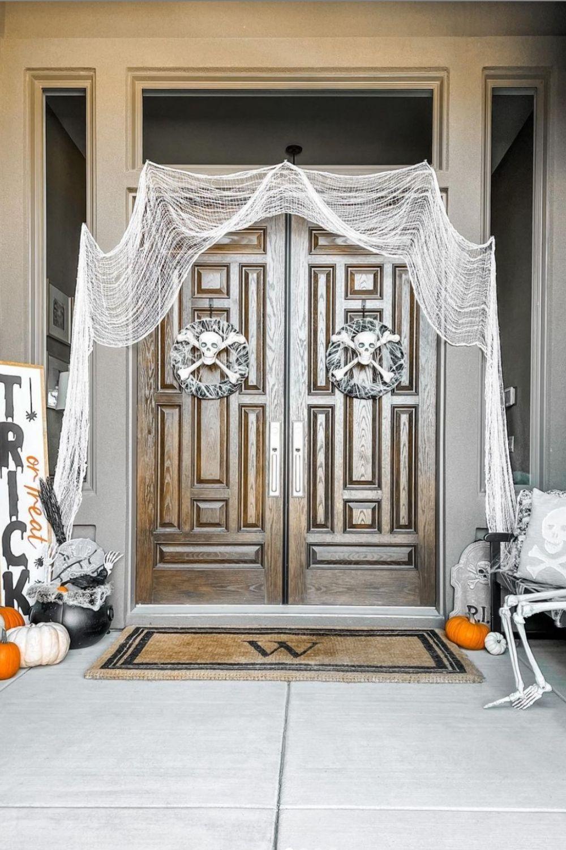 Spooky Halloween Outside Decorations ideas 2021
